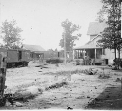 654px-Catlett's_Station_VA_with_US_military_railroad_boxcars_and_soldiers