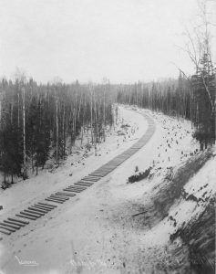809px-Railroad_construction_-_ties_awaiting_rails,_Alaska,_1915