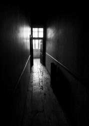 Dark_corridor_(4676385338)